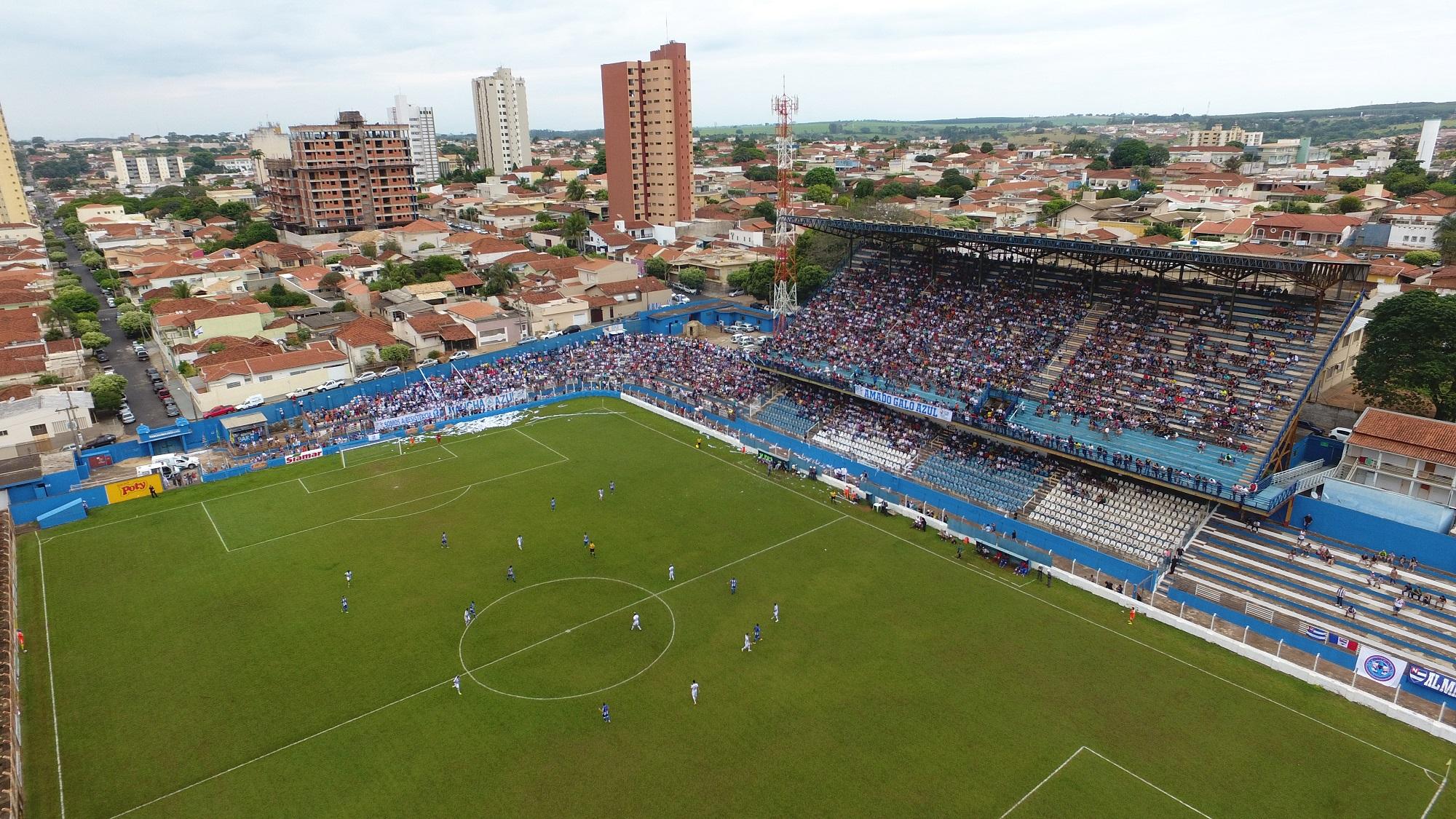 Estádio Maria Tereza Breda.