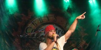 Cover oficial do Guns'n Roses se apresenta no Boemia Butiquim