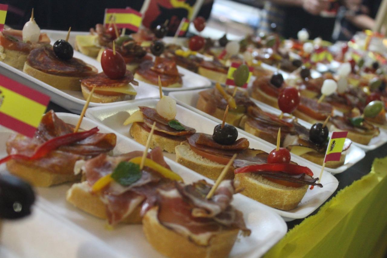 Em sua 25ª edição, Festa das Nações reúne a culinária de diversos países